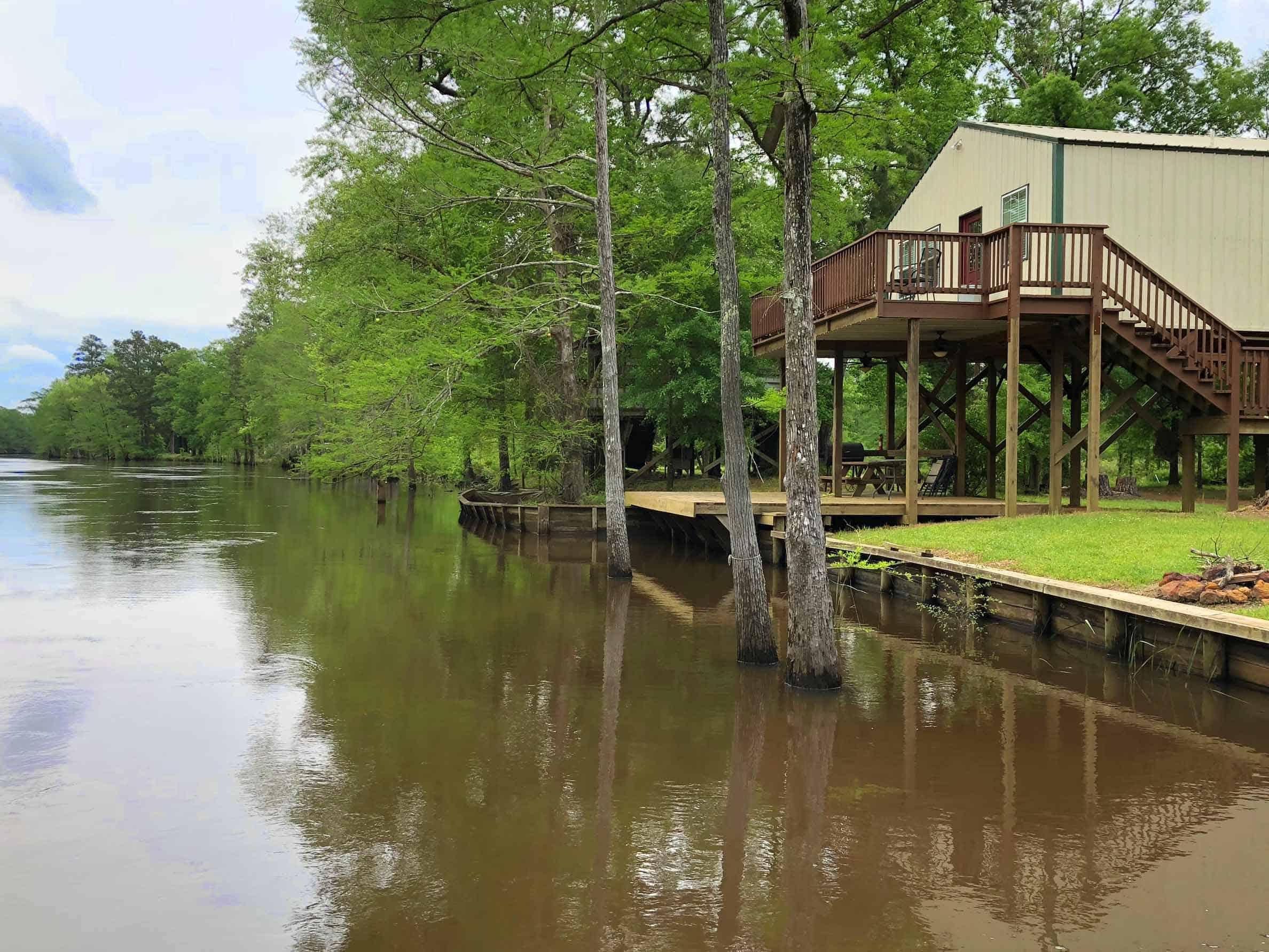 BackWater-Jacks-Cabin-Duplex-rentals-river-view