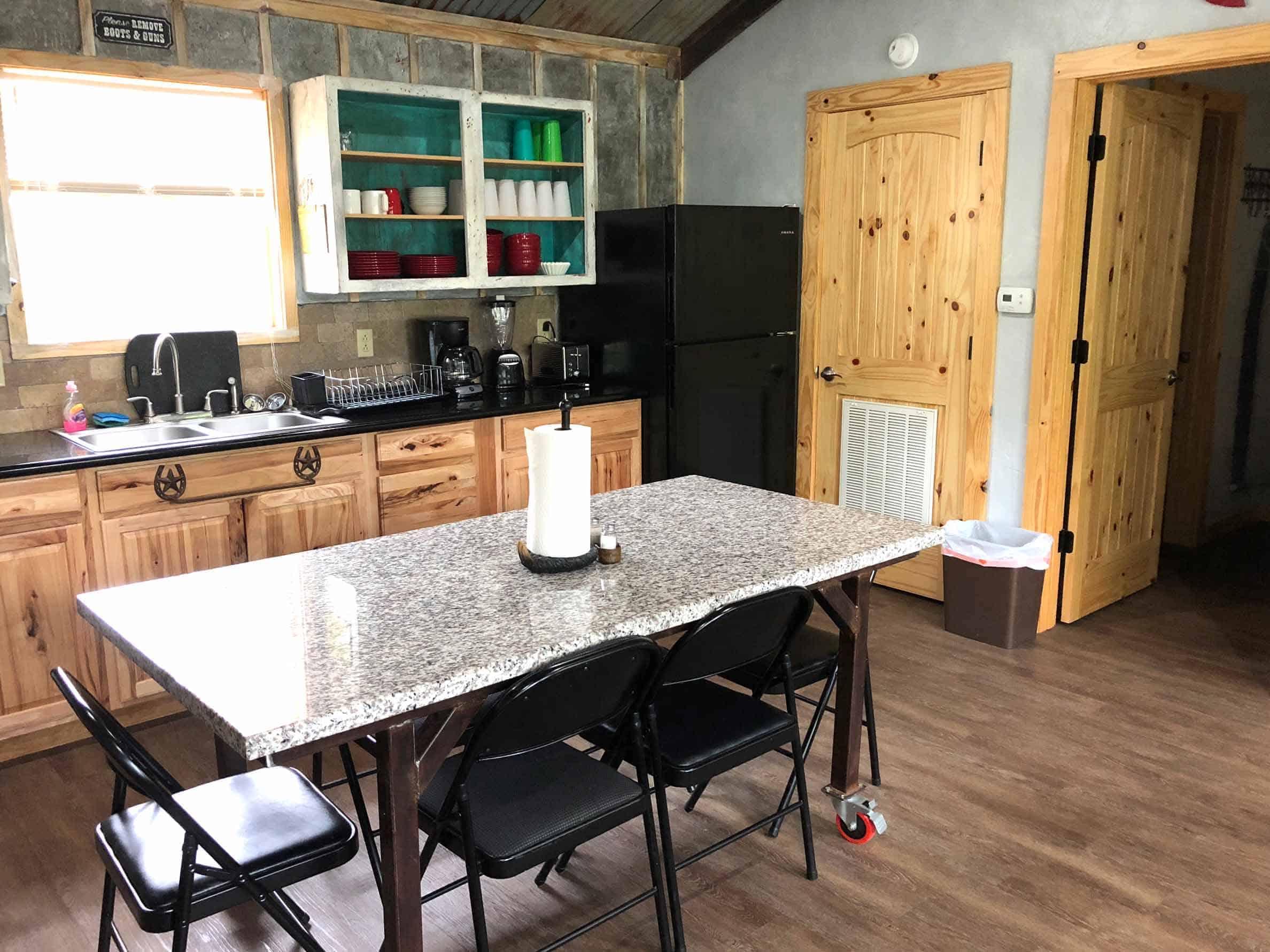 BackWater-Jacks-Cabin-Longhorn-kitchen